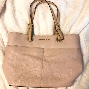 AUTHENTIC Michael Kors Bedford Bag in Blush